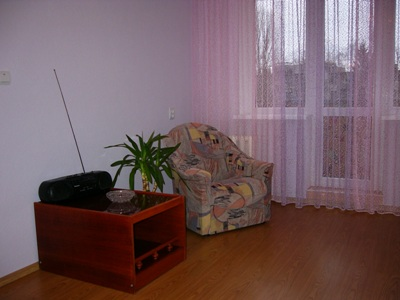 One room apartment in Khmelnitskiy Street. (ID02)